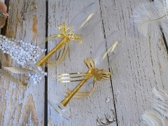 Quinceanera Champagne Toasting Flute with Sparkle Tiara Golden Lace Bow Decorated Glasses, Set of 2