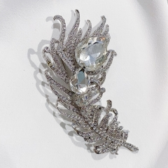 White Zircon Rhinestone Pave Peacock Feather Shape Fashion Brooch on Wedding Bouquet